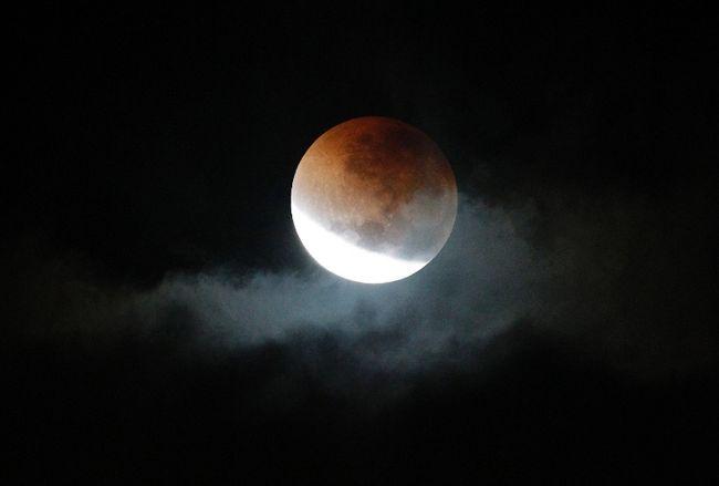 Selangor Observatory Lunar Eclipse Timelapse – 16 June 2011