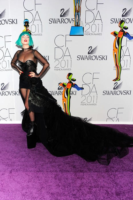 Lady Gaga in 10inches tall shoe