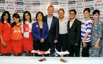 QPR sign sponsorship deal with MAS & AirAsia
