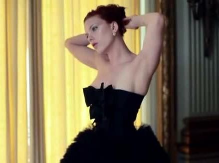 Lindsay Acura on Scarlett Johansson In Vanity Fair December 2011 Photos   Video