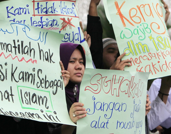 Gay Muslims face Double the Punishment in Malaysia