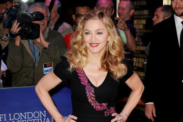 Madonna – Give Me All Your Love (New Song 2011) – Video