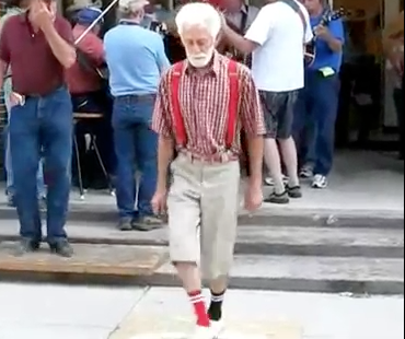 Grandpa Whips Out His Shuffelin Moves – Video