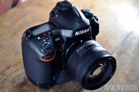Nikon 4D Reviewed by Cnet