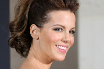 "Kate Beckinsale at the Premieres of ""Underworld Awakening"" – (18 pictures)"