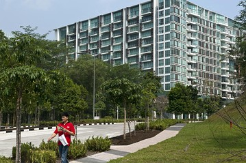 Singapore home prices continue their slow streak