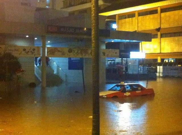 Massive Flood in KL March 2012 – Pictures and Videos