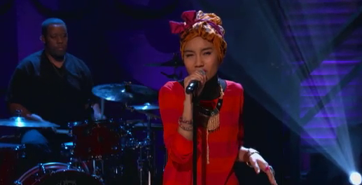 """Yuna Performs """"Live Your Life"""" on CONAN – Video"""