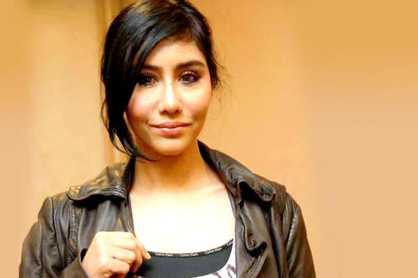 Ella to Marry Pilot Azhar Ghazali, 16 Years her Junior