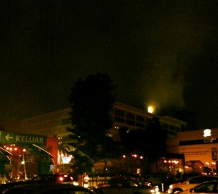One Utama on Fire & Blackout (Pictures)