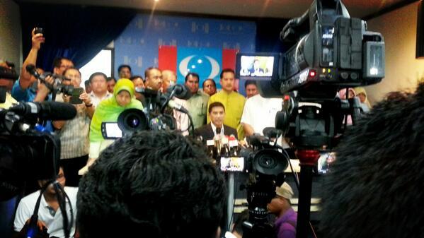 I am NOT quitting PKR – Azmin Ali