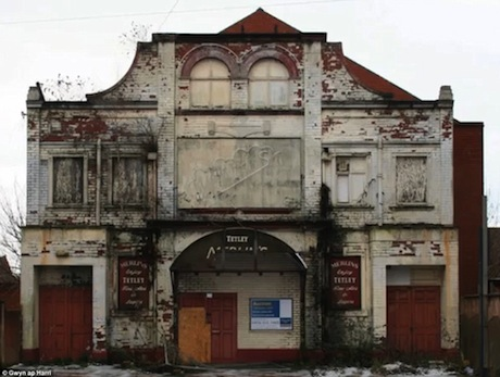 The Old Kinsington Picture House had been abandoned and unloved for the past 20 years.