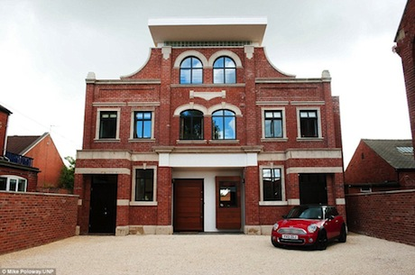 The couple managed transform the old cinema into a beautiful house.
