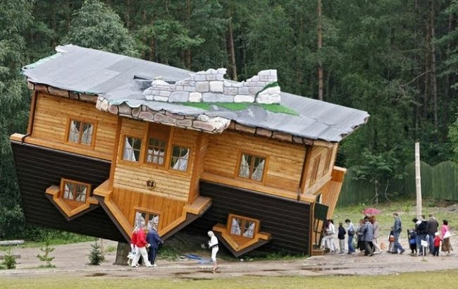 worlds-most-unusual-houses-upside-down