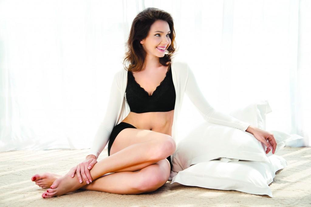 Helena Elegant Bra_Model
